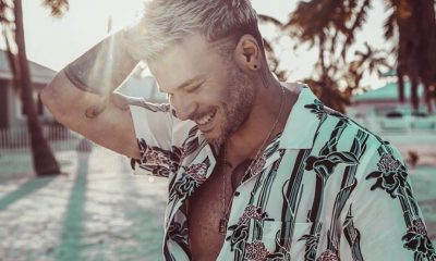 Pedro Capo recibe Doble Diamante Doble Platino Oro por Calma Remix junto a Farruko scaled
