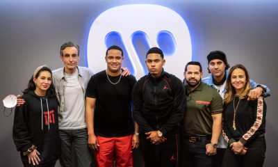 Myke Towers firma acuerdo con Warner Music Latina